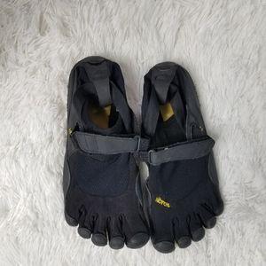 Vibram KSO Five Finger, Size 8- 8.5
